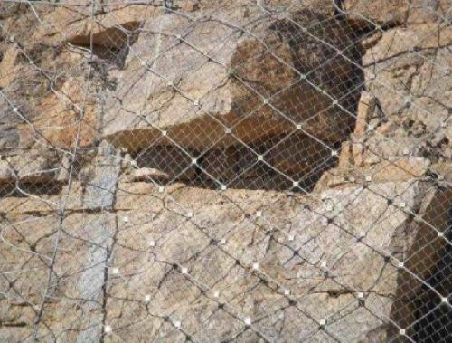 主动边坡防护网在施工中应满足哪些要求