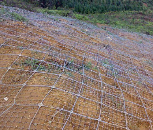 被动边坡防护网如何进行施工?应注意哪些事项