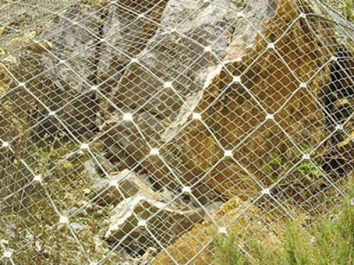 在使用钢丝绳网时应该如何维护?